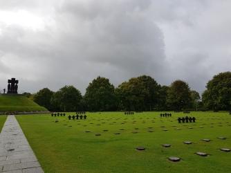 Dag 3 - Eerst een bezoek aan duitse begraafplaats